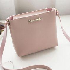 2a0247d48bd2 38 Best Women handbags images