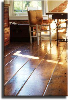 Love this Antique Barn-Board Oak flooring.  Isn't it purrr- tee?