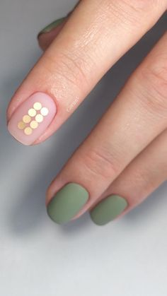 That one gold nail.