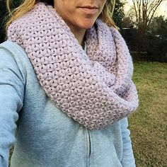 This stitch pattern is called Thai crochet, the jasmine stitch, or sometimes the star stitch. It makes puffy, airy 6-pointed flowers that interlock to form a beautiful pattern. Due to the puffiness and thus the amount of yarn required, this cowl is on the heavier/thicker side and will keep you toasty!