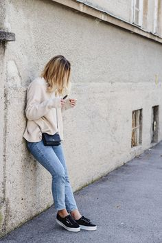 Sweater: Zara   Jeans: H&M   Sneakers: Superga Platform   Bag: Chanel WOC