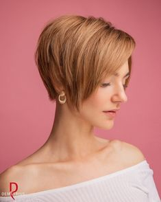 Short Haircuts Over 50, One Length Haircuts, Thin Hair Haircuts, Cool Haircuts, Hairstyles With Bangs, Short Hair With Bangs, Short Hair Cuts For Women, Long Hair Cuts, Short Hair Styles