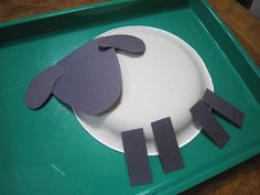 Very cute and easy lamb paper plate craft. Bible School Crafts, Sunday School Crafts, Bible Crafts, Paper Plate Crafts, Paper Plates, Preschool Crafts, Easter Crafts, Preschool Ideas, Projects For Kids