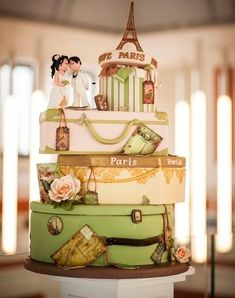 Are you two great travelers? Then choose your hobby as you wedding theme! Ah, there are so many adorable travel-theme ideas that are exciting yet budget-savvy! Funny Wedding Cakes, Unique Wedding Cakes, Beautiful Wedding Cakes, Wedding Cake Designs, Beautiful Cakes, Divorce Cake, Parisian Cake, Suitcase Cake, Luggage Cake