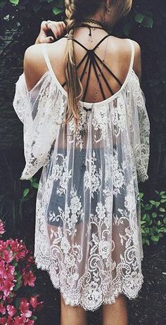 Pack this gypsy boho lace cover up in your bags and have an adventure-filled summer vacation at a beach.