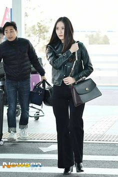10.02.19 Black Cover Up, Krystal Jung, Queen Fashion, Kristen Stewart, Hermes Birkin, Girl Group, Punk, Street Style, Outfits