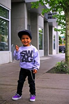 Little kids are cute when hey can dress ;)