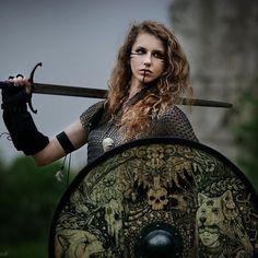 Shield made by me :) Model- Kamila Photo- https://www.facebook.com/K.Mikolajczak.Photography/?fref=ts #shield #fantasy #viking #photo #girl #art #woodwork @blackwork #drawing #warrior #celtic #slavic