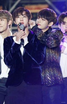 •161231 BTS JIN & V @ 2016 MBC Gayo Daejejeon
