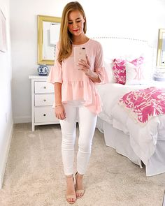 40 Popular Summer Outfits With Bright Color Ideas - The sultry summer heat frequently leaves a terrible preference for our mouth. Longing for solace and windiness is something that drifts in our brain n. Southern Girl Outfits, Southern Belle Style, Southern Fashion, Preppy Southern, Southern Shirt, Southern Marsh, Southern Tide, Southern Style Clothes, Southern Clothing