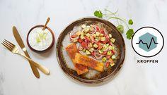 I denne oppskriften har vi latt oss inspirere av både indiske og greske smaker. Tzatziki lages vanligvis med mynte, men vi har tatt den til nye høyder med koriander.