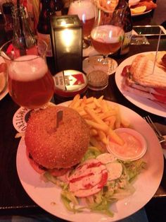 Typical meal to Bulldog  ( Amsterdam)