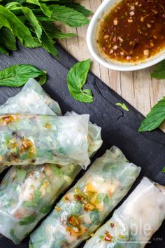 rice paper rolls with lemongrass chricken
