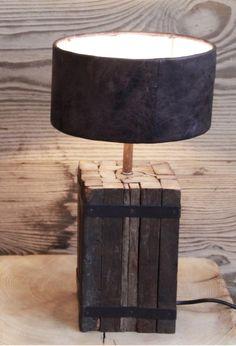 Petite lampe de chevet Pied vieux bois fabrication fran§aise et