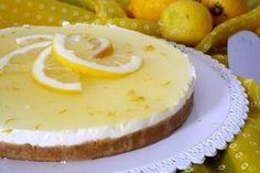 La cheesecake al limone è la variante di cheesecake che preferisco in assoluto, fresca e golosa, che mi ha insegnato a fare Vale, la mia rivale! E' un dolc