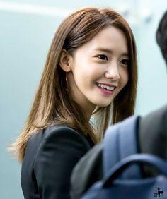 #Yoona #윤아 #ユナ #SNSD #少女時代 #소녀시대 #GirlsGeneration 160313 incheon to beijing
