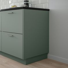 IKEA - BODARP, Cover panel, gray-green, Choose a cover panel in the same finish as your door for a uniform expression, or mix and match to suit your taste. Read about the terms in the Limited Warranty brochure. Sage Green Kitchen, Plastic Foil, Household Chores, Scandinavian Kitchen, Küchen Design, Filing Cabinet, Cool Kitchens, Green And Grey, Decorating Kitchen