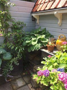 houten tuinhuisje Shabby Chic Garden, Romantic Homes, Blog, Beautiful, Cabins, Gardens, Cottage, Fresh, Healthy