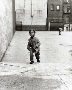 Richard Avedon     Harlem, New York     1949