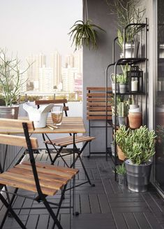 This Ikea patio furniture is here to transform your apartment's teeny tiny balcony Small Balcony Design, Small Balcony Garden, Small Balcony Decor, Outdoor Balcony, Outdoor Chairs, Patio Table, Backyard Patio, Small Patio Ideas Townhouse, Small Balconies
