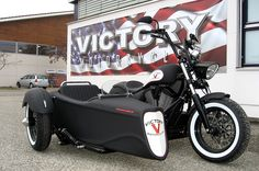 2013 Victory High-ball with custom side car I need this for mine so the do can come on rides! Victory Motorcycles, Custom Motorcycles, Custom Bikes, Indian Motorcycles, Reverse Trike, Bobber Chopper, Street Bikes, Tricycle, Sport Bikes