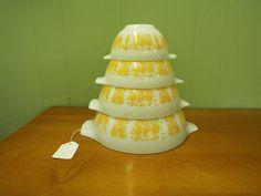 Vintage RARE Orange Yellow Butterprint Pyrex Cinderella Nesting Bowls Set #PYREX #Pyrex