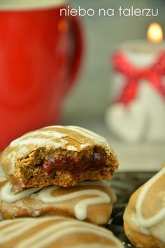 Gingerbread Cookies filled with Jam Polish Desserts, Polish Recipes, Polish Food, My Favorite Food, Favorite Recipes, Cookie Recipes, Dessert Recipes, Baking Buns, Filled Cookies