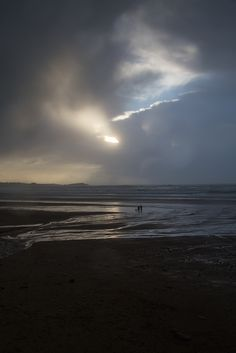 Winter skies at Watergate Bay, Cornwall © Luke Hayes