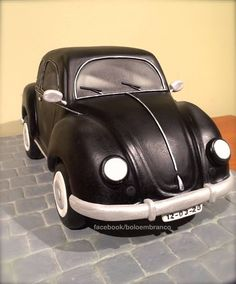 Pinner Wrote VW Beetle - This is my VW Beetle, a birthday cake for my grand uncle. Bolo Fondant, Fondant Cakes, Cupcake Cakes, Crazy Cakes, Fancy Cakes, Cute Cakes, Volkswagen, Sculpted Cakes, 3d Cakes