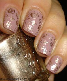 Des ongles fleuris...