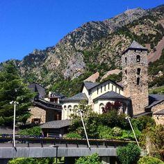 Iglesia de Sant Esteve. Andorra la Vella. Más en diariodeabordoblog.com