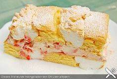 delicate cake baked alternately with meringue then filled with cream and berries Crumb Coffee Cakes, Austrian Recipes, Austrian Food, Berry Cake, No Bake Cake, Vanilla Cake, Food Photography, Bakery, Sweet Treats
