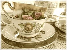i'm not a tea person but this is so pretty that i want it. i want a lot of things though, sadly. that's sad right? is it?