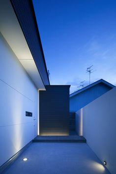 Exterior lighting detail:  House in Sakai