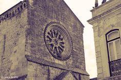 Primeira dama do Ribatejo e capital portuguesa do gótico, Santarém é conhecida por isto e muito mais. Veja por si esta cidade que é tudo, menos cinzenta!  #viaverde #viagensevantagens #Portugal #história #cultura #Santarém