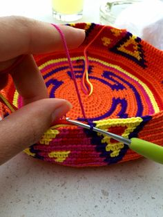 The Ligny Creations: Mochila hooks tips and tricks Diy Crochet And Knitting, Tunisian Crochet, Crochet Chart, Cute Crochet, Tapestry Bag, Tapestry Crochet, Macrame Patterns, Crochet Patterns, Mochila Crochet