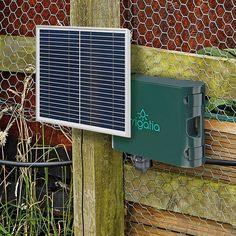 Irrigatia-SOL-C180 är ett väderresponsivt, solcellsdrivet automatbevattningssystem för trädgård, land och växthus