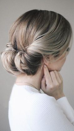 I went to an event with Redken where one of their Stylists showed us how to do this easy messy updo and I knew right away I had to recreate it because...