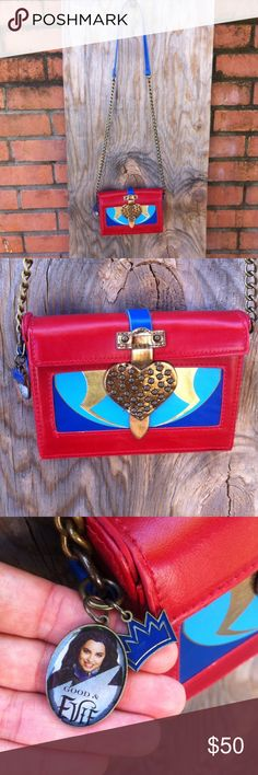 Rare Descendants Disney purse Hard to find item! Awesome Evie purse. Looks like the Evil Queens box from Snow White. Bags Mini Bags