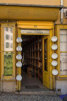 O Barateiro da Casa Amarela.Rua de São Bento. Lisboa