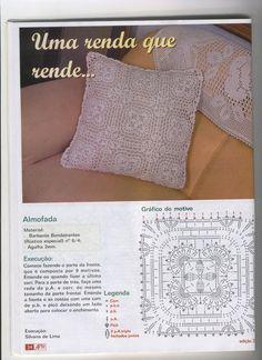 Mania de Arte - Barbante - lino augusto - Álbuns da web do Picasa... This is a great pillow made with motifs!