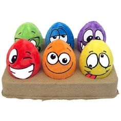Egg-Noggins Plush Toy 6 PackEgg-Noggins Plush with Squeaker 6 toys for your egg crazy pup.Colorful Plush-Covered Squeaky Plastic Eggs with Silly Faces! Pebble Painting, Pebble Art, Stone Painting, Stone Crafts, Rock Crafts, Arts And Crafts, Rock Painting Ideas Easy, Rock Painting Designs, Projects For Kids