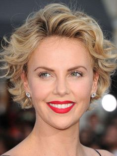 kurze haare charlize theron