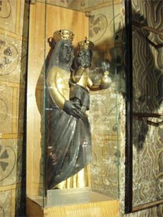 Black Madonna Budapest (photo-Carol Abel)