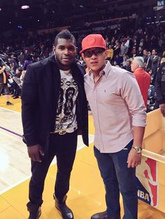 Puig and Julio Urias at last nights Lakers game.  Pic via Beto Duran on twitter.      **  Dodgers Blue Heaven: Blog Kioks: 1/13/2016 - Dodger Links - Some Odds and Ends