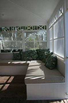 Queenslander screening, open and see through. Outdoor Seating, Outdoor Rooms, Outdoor Living, Cottage Design, House Design, Byron Bay Accommodation, Diy Furniture Building, Patio Enclosures, Fresco