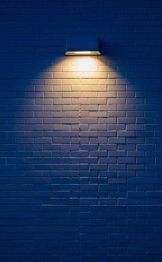 White wall, yellow lamp, minimal, decoration, wallpaper – Wallpaper's Page Desktop Background Pictures, Studio Background Images, Light Background Images, Lights Background, Background Decoration, Yellow Background, Background Images For Quotes, White Background Wallpaper, White Studio Background