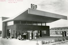 Agip service station Location: Barletta, Italy Date: 1959 Old Gas Pumps, Old Gas Stations, Filling Station, Vintage Architecture, Vintage Italy, Building Art, Mid-century Modern, Villa, Art Deco