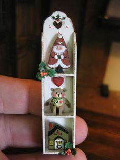 Dollhouse Miniature Artisan Karen Markland Christmas Santa Small Decorated Shelf