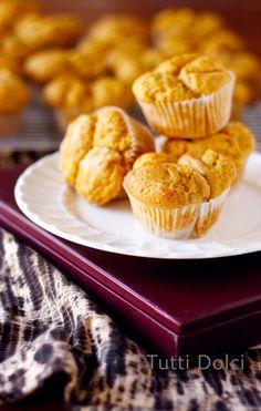 Pumpkin Monkey Bread Muffins from @Laura | Tutti Dolci